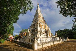Wat-Chedi-Liam-Chiang-Mai-Thailand-05.jpg