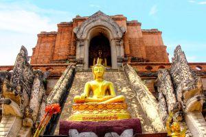 Wat-Chedi-Luang-Chiang-Mai-Thailand-001.jpg