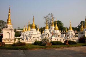 Wat-Chedi-Sao-Lampang-Thailand-001.jpg