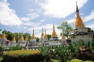 Wat-Chedi-Sao-Lampang-Thailand-004.jpg