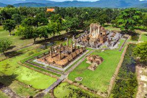Wat-Chetuphon-Sukhothai-Thailand-02.jpg