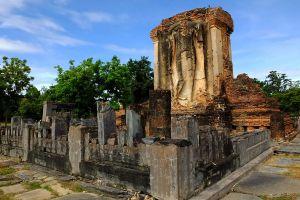 Wat-Chetuphon-Sukhothai-Thailand-03.jpg