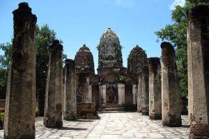 Wat-Chetuphon-Sukhothai-Thailand-04.jpg