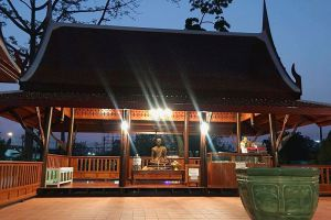 Wat-Chin-Wararam-Worawihan-Pathumthani-Thailand-03.jpg