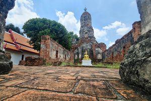 Wat-Choeng-Tha-Ayutthaya-Thailand-03.jpg