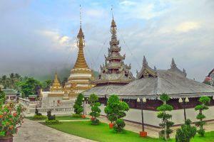 Wat-Chong-Klang-Mae-Hong-Son-Thailand-03.jpg