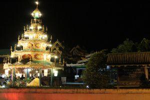 Wat-Chong-Klang-Mae-Hong-Son-Thailand-06.jpg