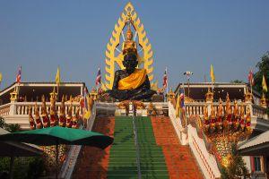 Wat-Chong-Lom-Samut-Songkhram-Thailand-01.jpg