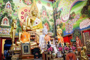 Wat-Chong-Lom-Samut-Songkhram-Thailand-02.jpg