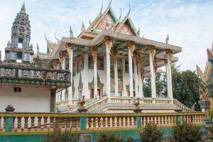 Wat-Ek-Phnom-Battambang-Cambodia-003.jpg