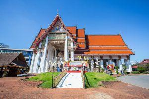Wat-Hat-Yai-Nai-Songkhla-Thailand-02.jpg