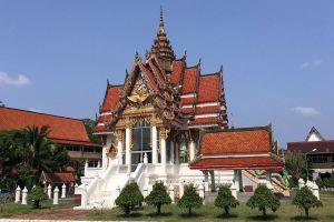 Wat-Hat-Yai-Nai-Songkhla-Thailand-03.jpg