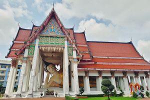 Wat-Hat-Yai-Nai-Songkhla-Thailand-05.jpg