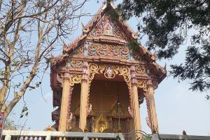 Wat-Hong-Pathummawat-Mon-Temple-Pathumthani-Thailand-06.jpg