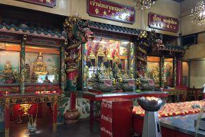 Wat-Hua-Lamphong-Bangkok-Thailand-03.jpg