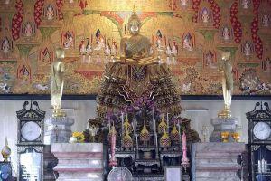 Wat-Hua-Lamphong-Bangkok-Thailand-05.jpg