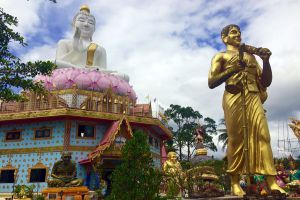 Wat-Hua-Thanon-Songkhla-Thailand-05.jpg