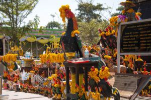 Wat-Huay-Mongkol-Hua-Hin-Prachuap-Khiri-Khan-Thailand-005.jpg