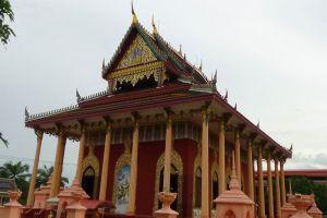 Wat-Kaeo-Phichit-Prachinburi-Thailand-003.jpg