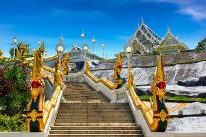 Wat-Kaew-Korawaram-Temple-Krabi-Thailand-01.jpg