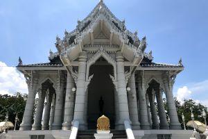 Wat-Kaew-Korawaram-Temple-Krabi-Thailand-03.jpg