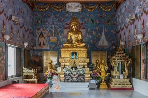 Wat-Kaew-Korawaram-Temple-Krabi-Thailand-04.jpg