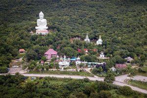 Wat-Kaew-Prasert-Chumphon-Thailand-09.jpg