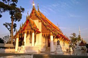 Wat-Kasattrathirat-Worawihan-Ayutthaya-Thailand-02.jpg