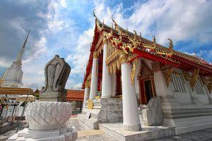 Wat-Kasattrathirat-Worawihan-Ayutthaya-Thailand-03.jpg