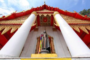 Wat-Kasattrathirat-Worawihan-Ayutthaya-Thailand-05.jpg