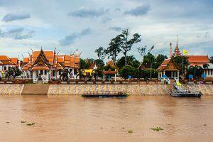Wat-Kasattrathirat-Worawihan-Ayutthaya-Thailand-06.jpg