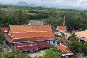 Wat-Khao-Aor-Phatthalung-Thailand-03.jpg