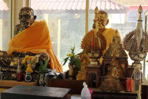 Wat-Khao-Aor-Phatthalung-Thailand-06.jpg