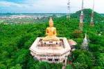 Wat-Khao-Ban-Dai-It-Phetchaburi-Thailand-01.jpg