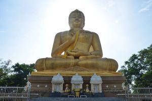Wat-Khao-Kong-Narathiwat-Thailand-01.jpg