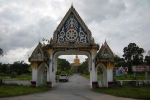 Wat-Khao-Kong-Narathiwat-Thailand-04.jpg