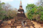 Wat-Khao-Phanom-Phloeng-Sukhothai-Thailand-02.jpg