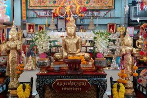 Wat-Khao-Takrao-Phetchaburi-Thailand-02.jpg