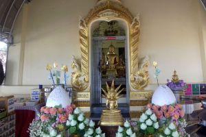 Wat-Khao-Takrao-Phetchaburi-Thailand-05.jpg
