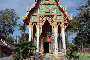 Wat-Khlong-Phrao-Koh-Chang-Trat-Thailand-02.jpg