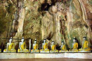 Wat-Khuha-Sawan-Phatthalung-Thailand-07.jpg