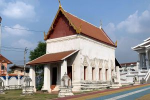 Wat-Ku-Nonthaburi-Thailand-04.jpg