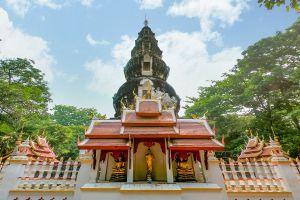 Wat-Ku-Tao-Chiang-Mai-Thailand-04.jpg