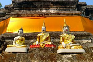 Wat-Ku-Tao-Chiang-Mai-Thailand-06.jpg