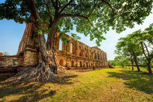 Wat-Kudee-Dao-Ayutthaya-Thailand-01.jpg
