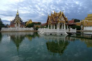 Wat-Lai-Lopburi-Thailand-03.jpg