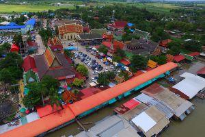 Wat-Lam-Phaya-Floating-Market-Nakhon-Pathom-Thailand-01.jpg
