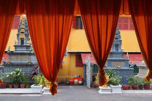 Wat-Langka-Phnom-Penh-Cambodia-004.jpg