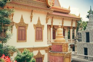 Wat-Langka-Phnom-Penh-Cambodia-008.jpg
