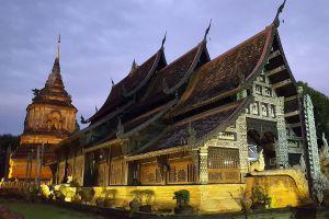 Wat-Lok-Moli-Chiang-Mai-Thailand-01.jpg
